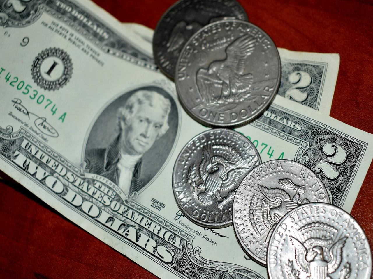 Americký dolar posiluje